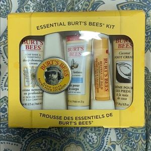 Burts Bees essential kit new not used